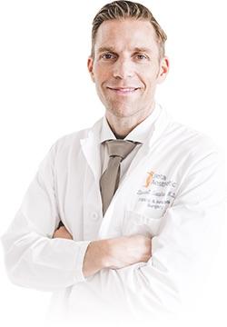 Dr_Daniel_Sattler_beta_plastische_chirurgie_bonn