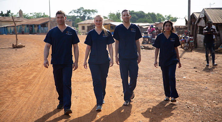 Daniel Sattler und sein Beta Humanitarian Help Team